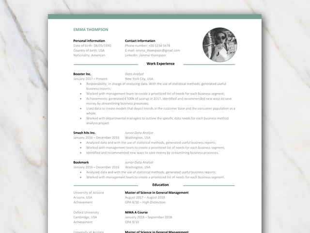 1 page resume CV for consultants with or without icons and with green elements